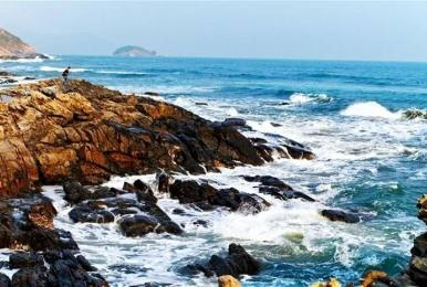 (每周末及大假期)惠东黑排角海岸线嬉水穿越徒步一日游
