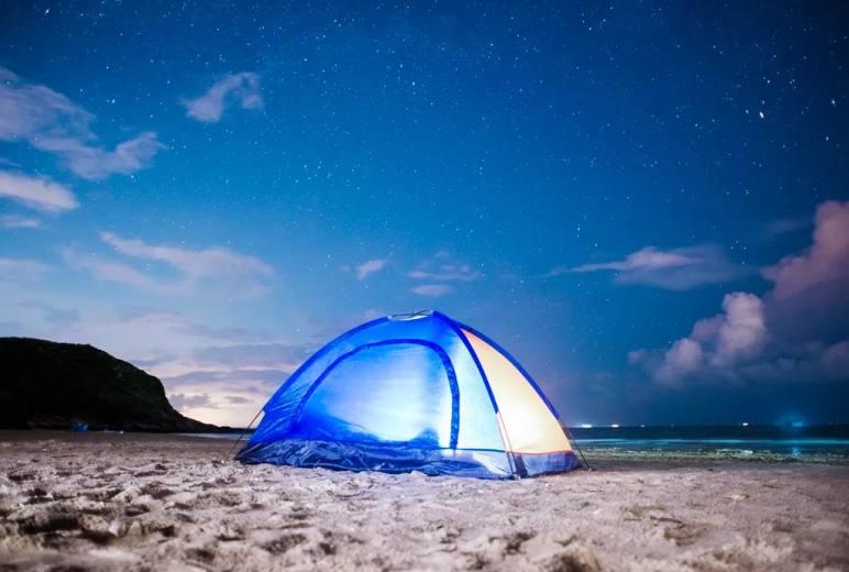 """惠东""""天空之镜""""黑排角露营,看星辰&大海&日出,浪漫到极致......"""