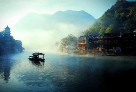 【忆游湘西】 中国常德桃花源·世界自然遗产-武陵源风景名胜区·大峡谷玻璃桥·凤凰古城 双高4天游 |0自费 一价全含