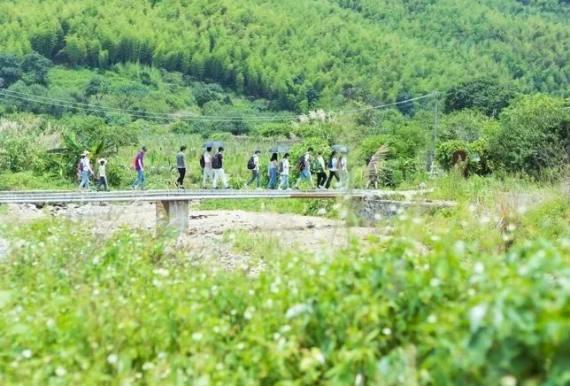 每周日从化泷溪线15公里徒步—探秘广州第一美村,山清水秀,翠竹盈翠,溪水潺潺